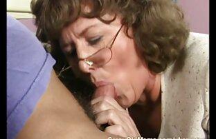 A celebrar a avó com a jeitosa da avó loiras gostosas em hd Melanie em vídeo Amador